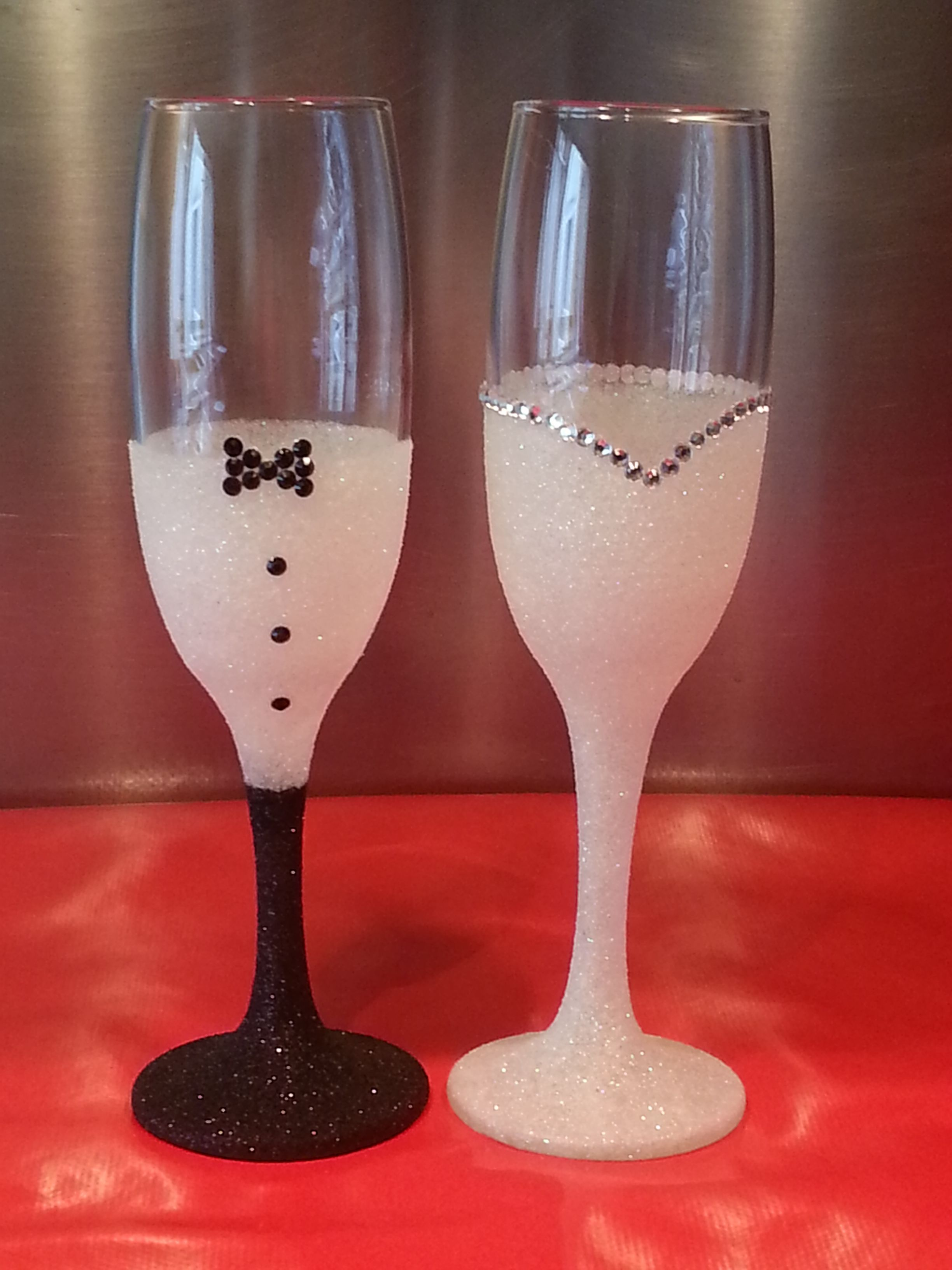 Bride And Groom Glittered Glasses Perfect For Wedding Gift For The Any Happy Couple Diy Wedding Gifts Wedding Glasses Diy Bride And Groom Glasses