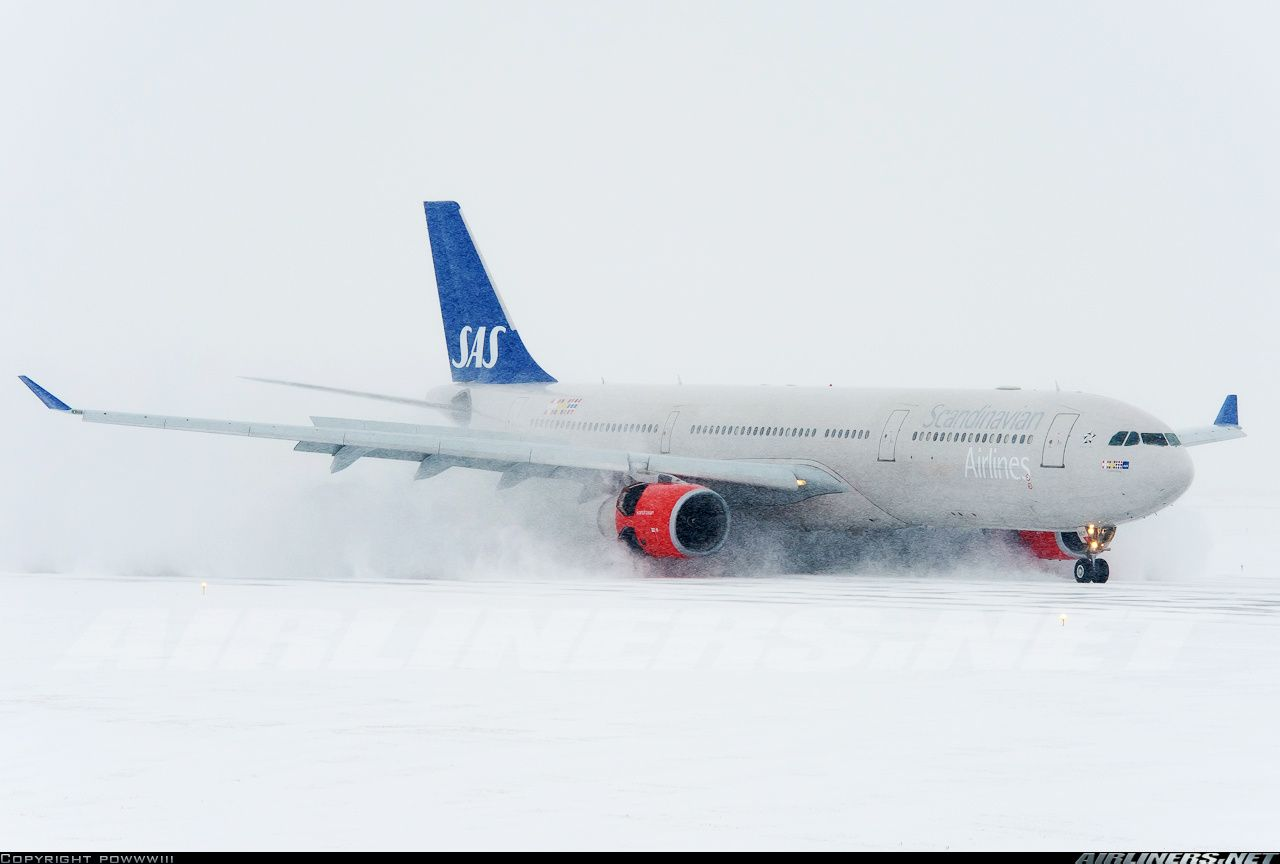 A Snowy Arrival For This Sas A330 At Chicago O Hare