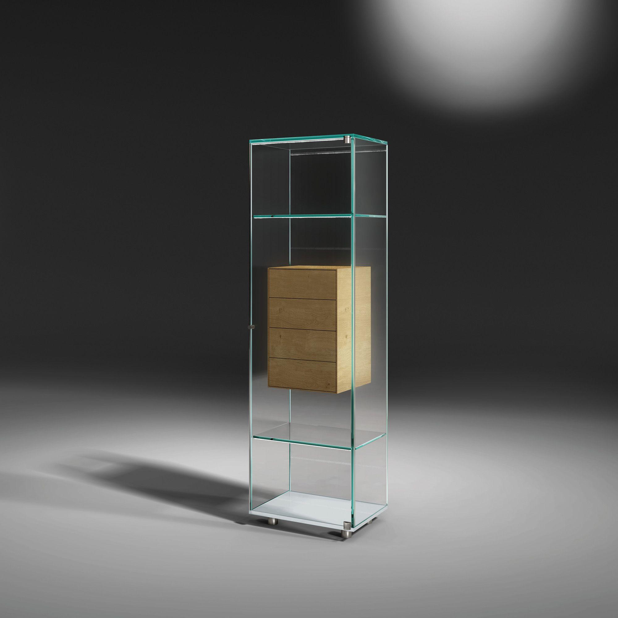 Glasvitrine Solus Fly Ein Weiteres Design Highlight Aus Der Modellserie Der Puristischen Solus Glasvitrinen Ist Die Design Vitrine Glasvitrine Vitrine Glas