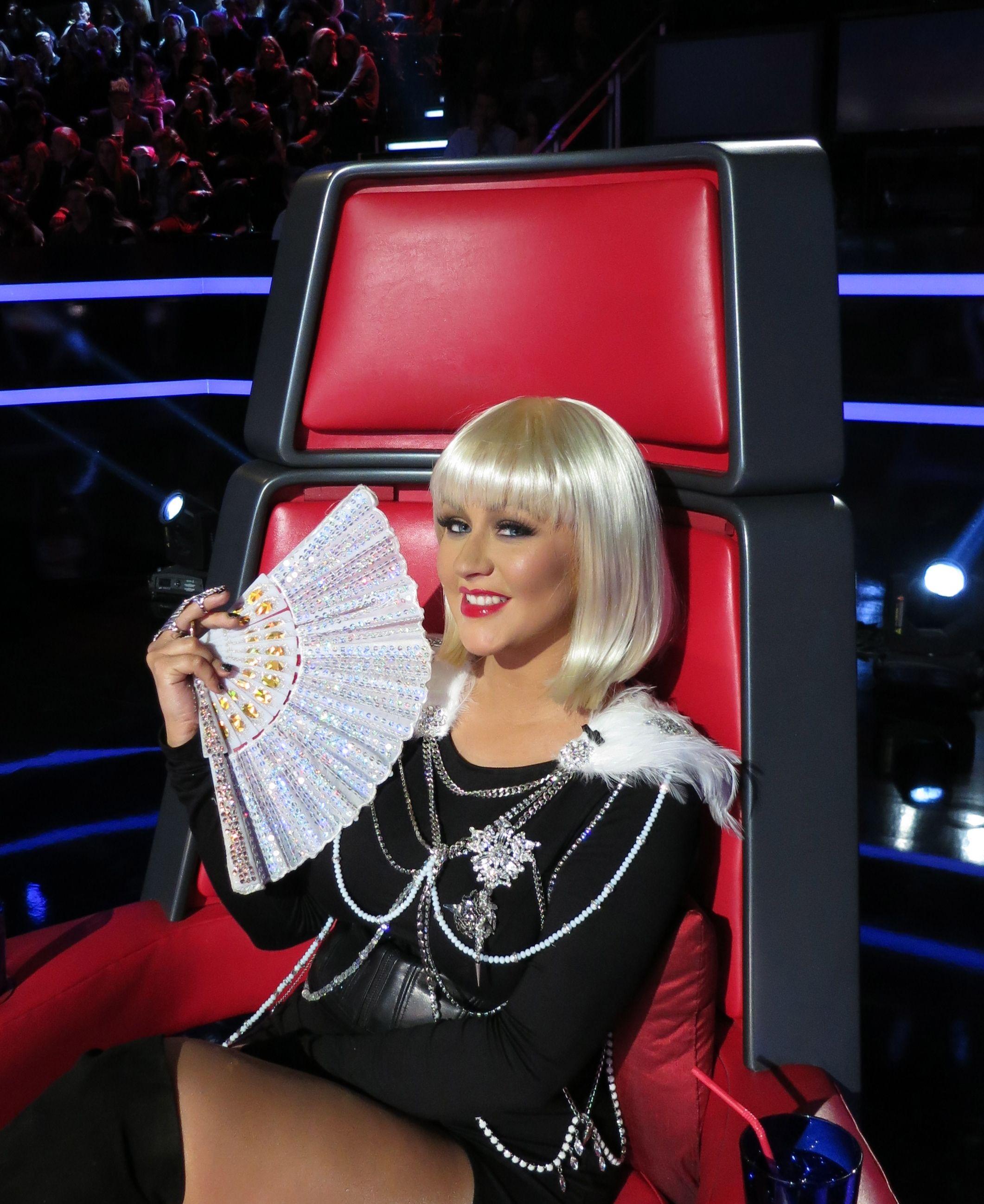 Christina Aguilera's Bubblegum Pink Manicure: Get The Look