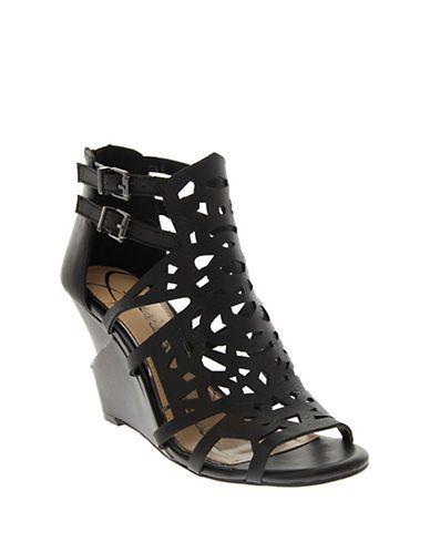 Shoes | Sandals | Rabah | Hudson's Bay