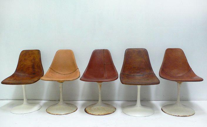 Cadeiras Tulipas de couro Jason Koharik.