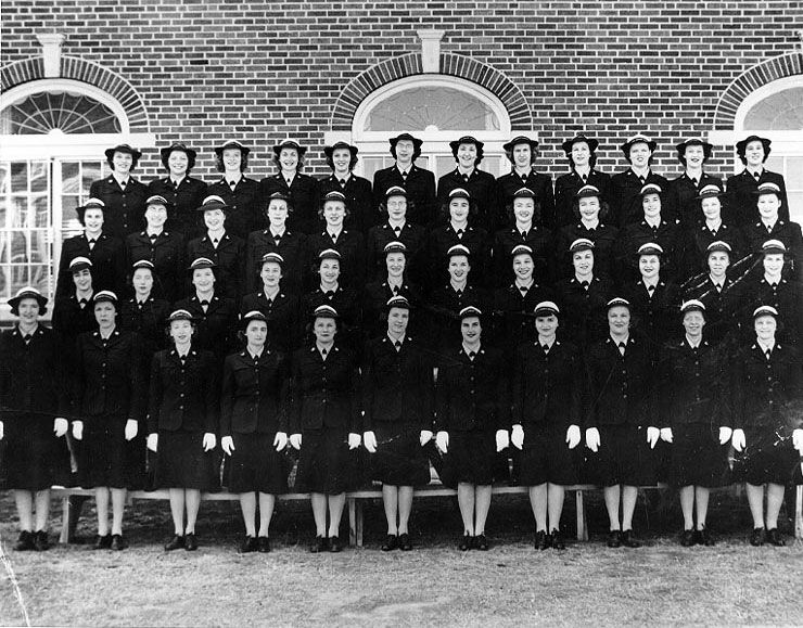 Photo] WAVES recruit company during WW2, date unknown | Photos ...