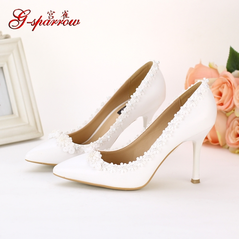 White dresses shoe woman