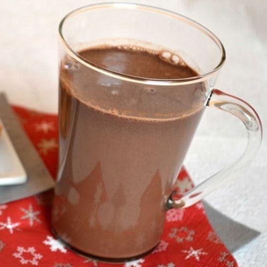 le vrai chocolat chaud cuisine recette chocolat chaud. Black Bedroom Furniture Sets. Home Design Ideas