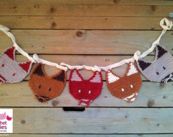 ༺༺༺♥Elles♥Heart♥Loves♥༺༺༺ ...........♥Crochet Bunting♥........... #Crochet #Bunting #Crochetbunting #Garland #Flag #Decorate #Tutorial #Pattern #Vintage #Handmade ♥Crochet Fox Garland Pattern
