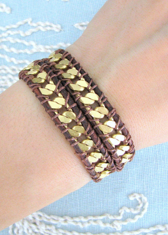 Bracciale Wrap rosso Brown a catena catena d'oro con un pulsante di chiusura di pelle di MaisJewelry su Etsy https://www.etsy.com/it/listing/150367046/bracciale-wrap-rosso-brown-a-catena