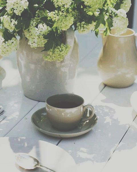 GOOD MORNING Sunshine!! Arrancando el último día de la semana con lo que más nos gusta hacer >> UBF  #eventplanners #coffee #morning #sunshine #party #event #wedding #friday