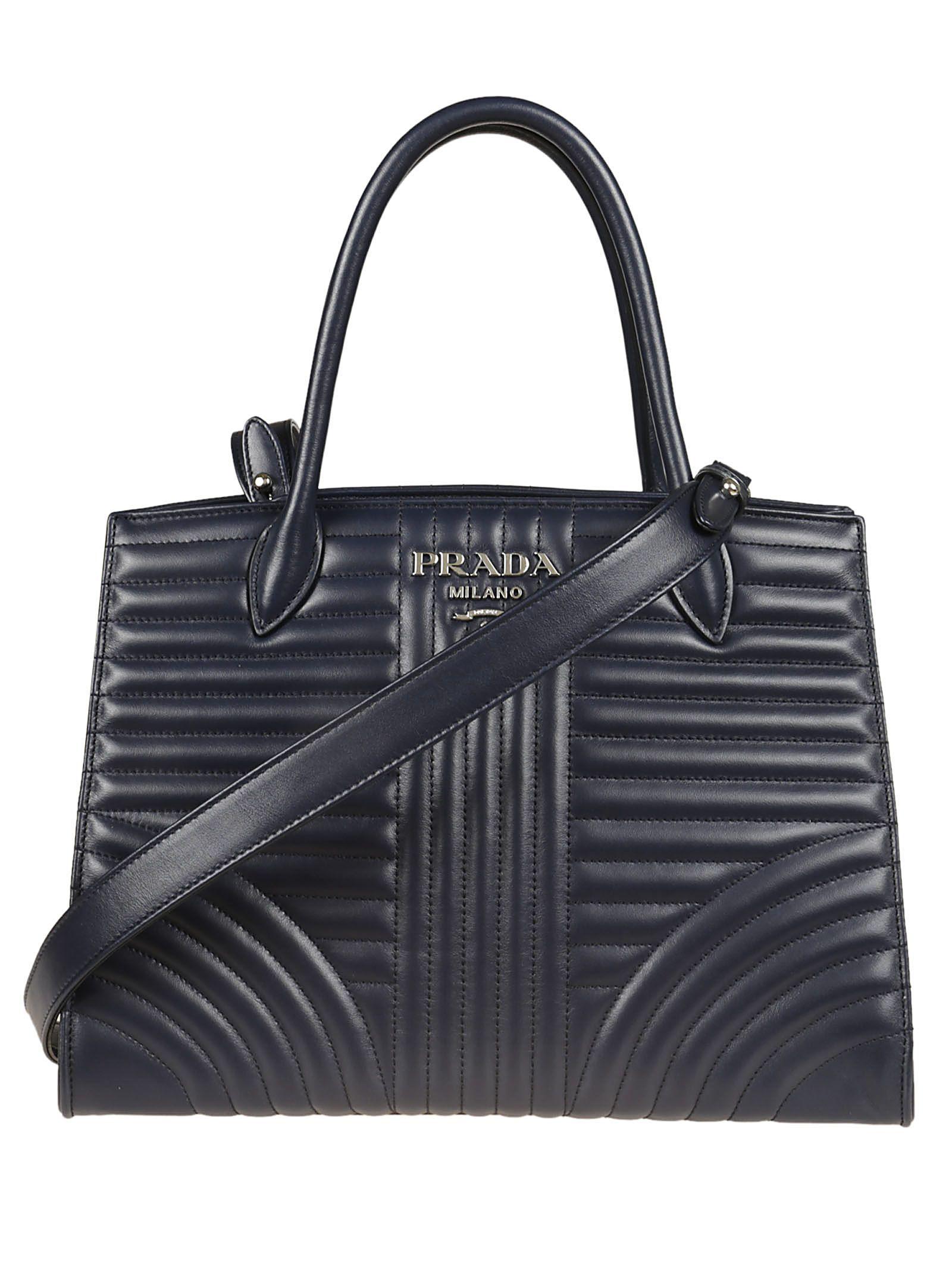 30119db06 PRADA . #prada #bags #shoulder bags #hand bags #leather #tote ...