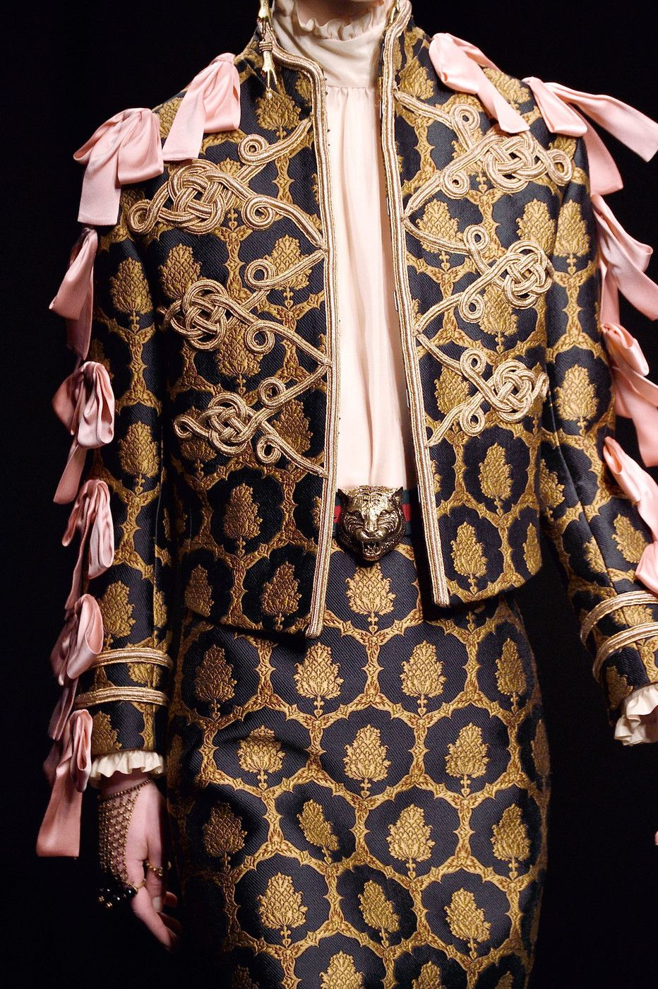 3d3469715d6 Gucci at Milan Fall 2016 (Details)