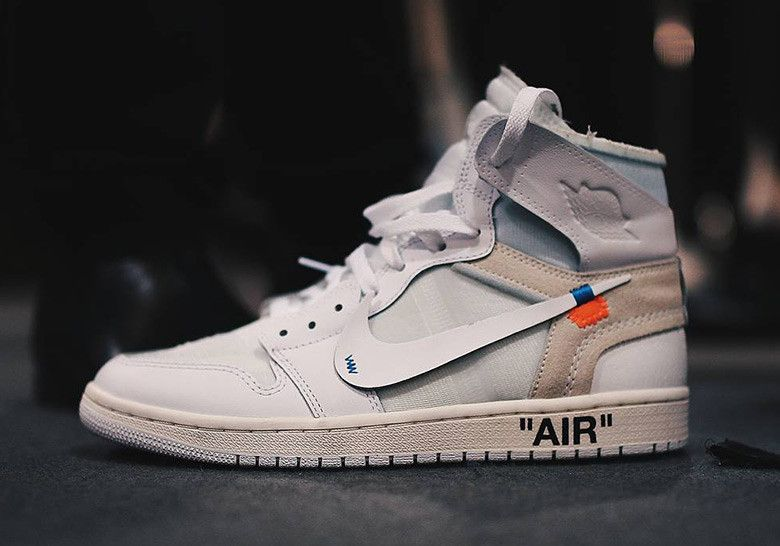Tênis bota nike air jordan off white