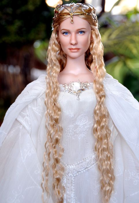 GALADIREL BARBIE. BARBIES. INTRODUCING THE YOUNG TO BLISSFUL YEARS OF LOTR. yessssss excellent preciousssss