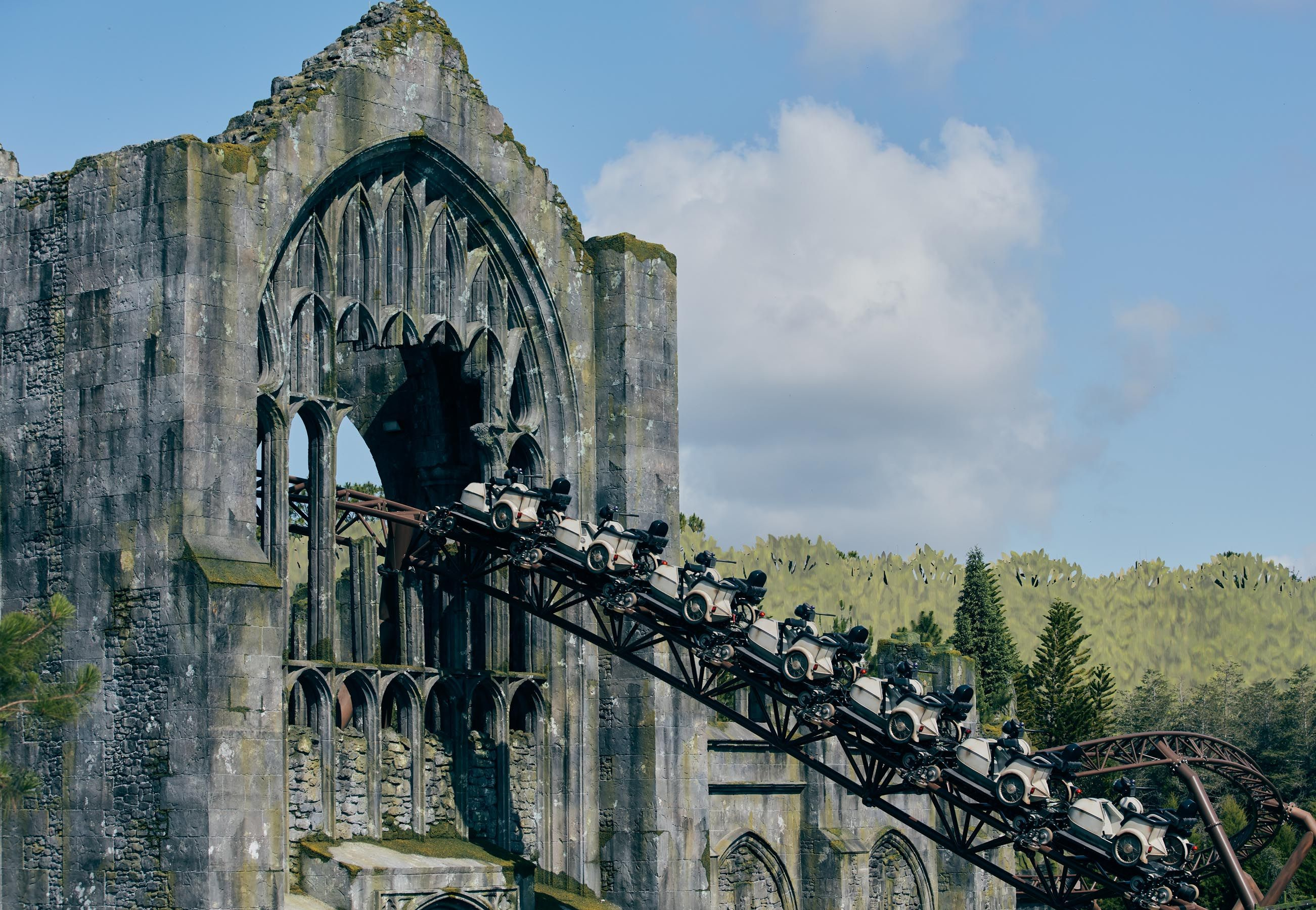Everything You Need To Know About Hagrid S Motorbike Adventure At Universal Studios See The Photos Islands Of Adventure Universal Islands Of Adventure Wizarding World Of Harry Potter