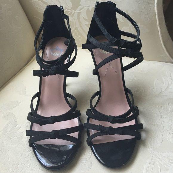 DSW Black Strappy Heels. miss America