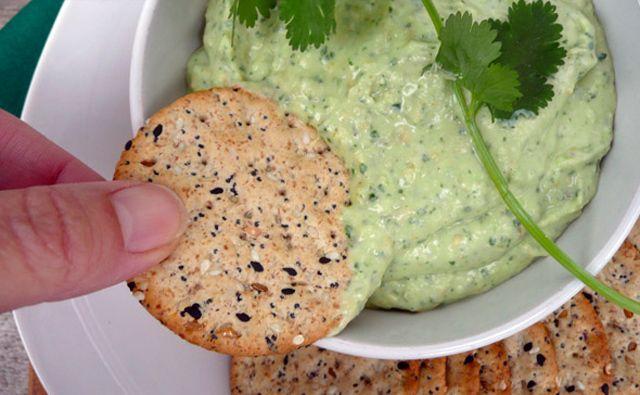 Los mejores dips para fiestas: Dip de cilantro | RevistaRutaGourmet