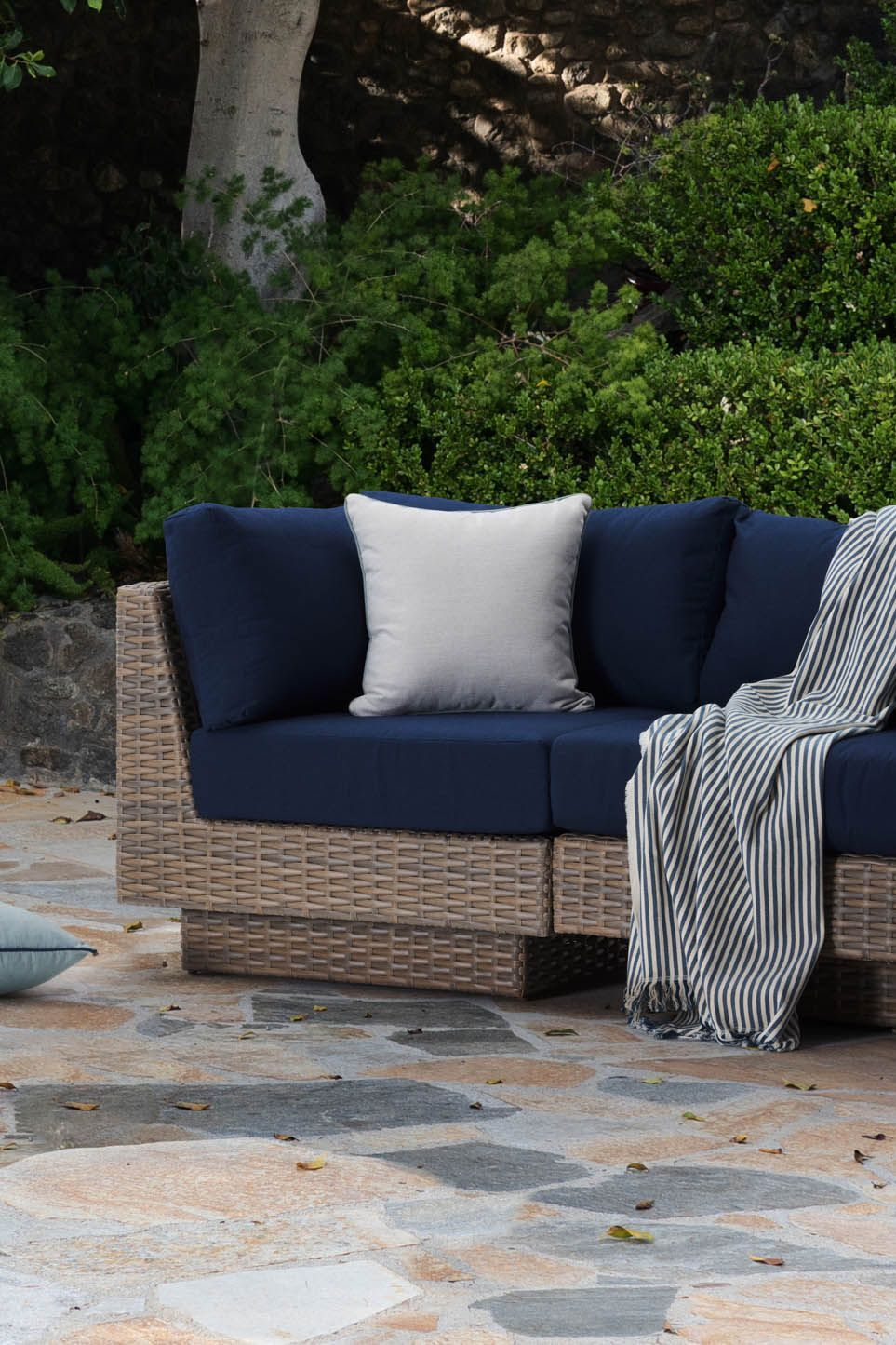 Patio Furniture Wicker Blue Navy Seating Set Repose Collection Rst Brands Luxury Outdoor Furniture Patio Cushions Backyard Patio Design