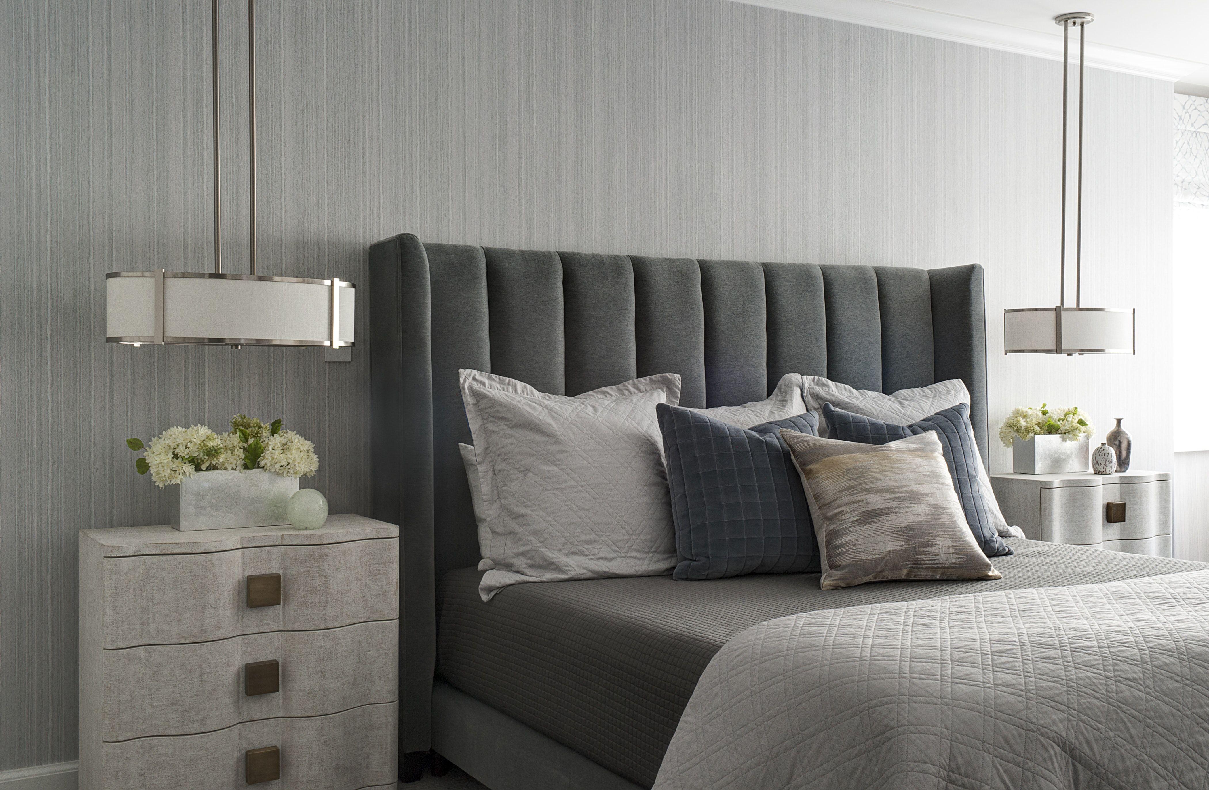 Soothing bedtime Velvet, Belgian linen, and handpainted
