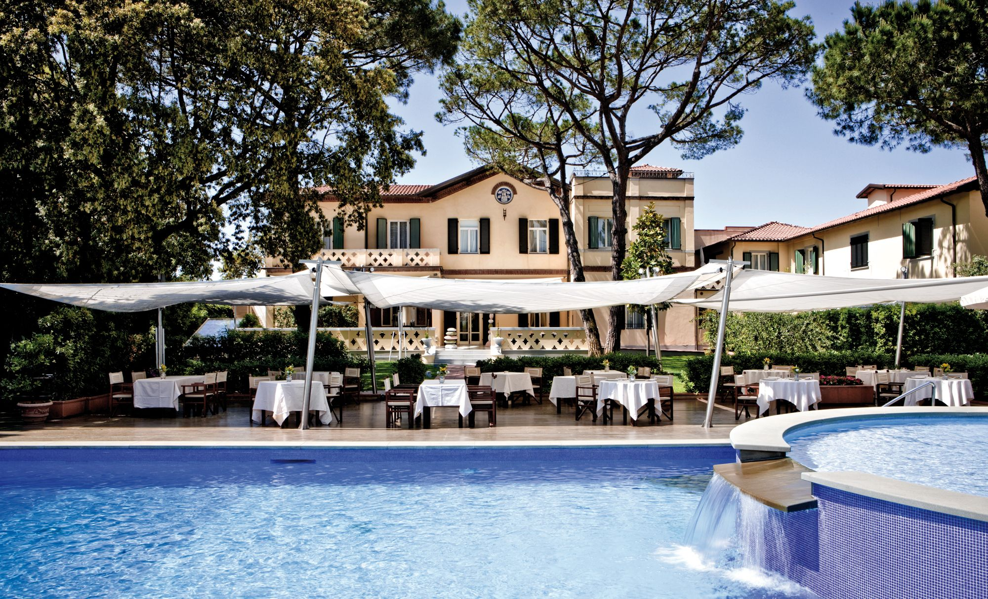 An elegant Tuscan seaside villa overlooking the sea, Hotel Byron in Forte dei Marmi, Italy sits right on the seaside promenade. All the beautifully decorated rooms have a wonderful view of the sea or the Apuan Alps – the perfect place to unwind… http://www.slh.com/hotels/hotel-byron/
