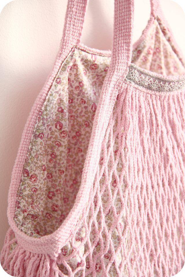 sedef on Instagram Genişliği tercih edenler için  ön ve arka şeklin  Crochet hobo bag