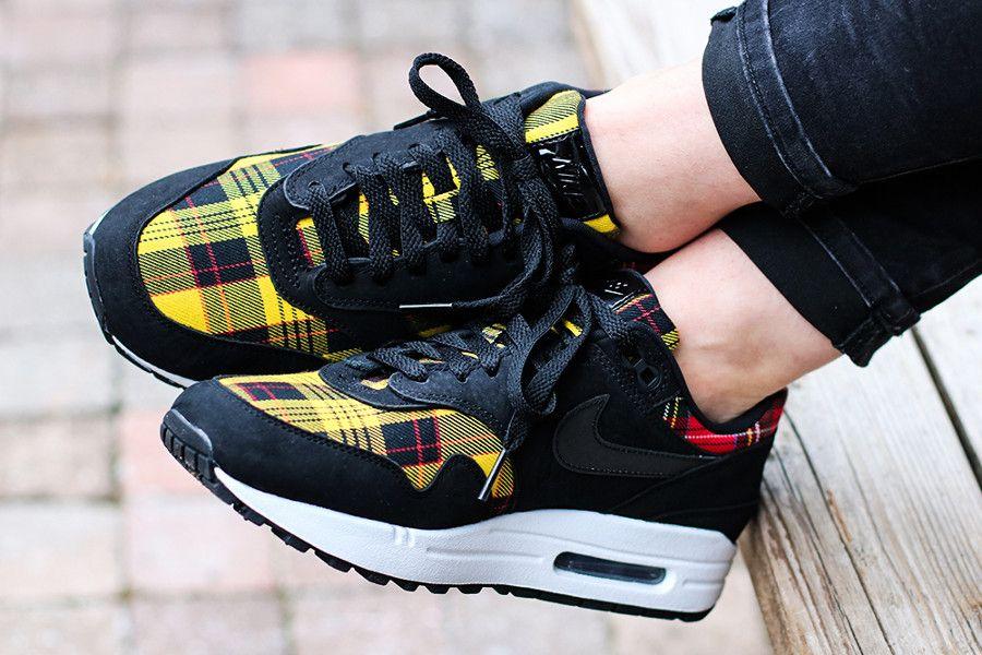 d35ffe5355 Nike Wmns Air Max 1 SE 'Tartan' Black University Red Amarillo #air max1 # airmax #baskets #sneakers