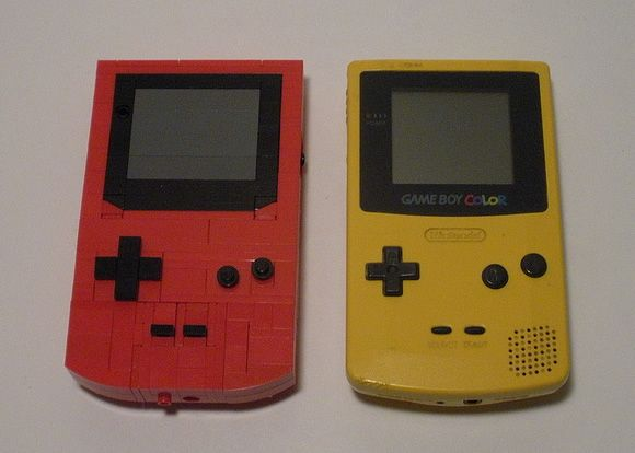 Yes, this Game Boy is made of Lego!