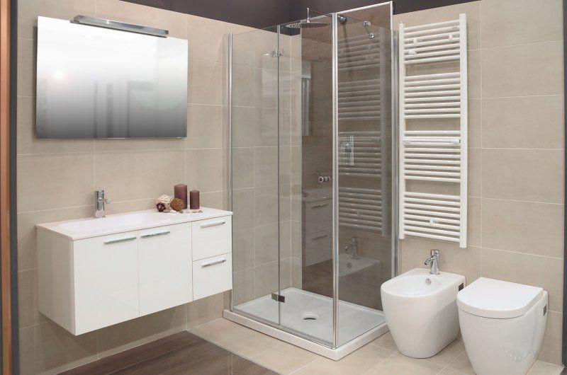 Gres porcellanato effetto legno ed effetto pietra in - Gres porcellanato effetto legno in bagno ...
