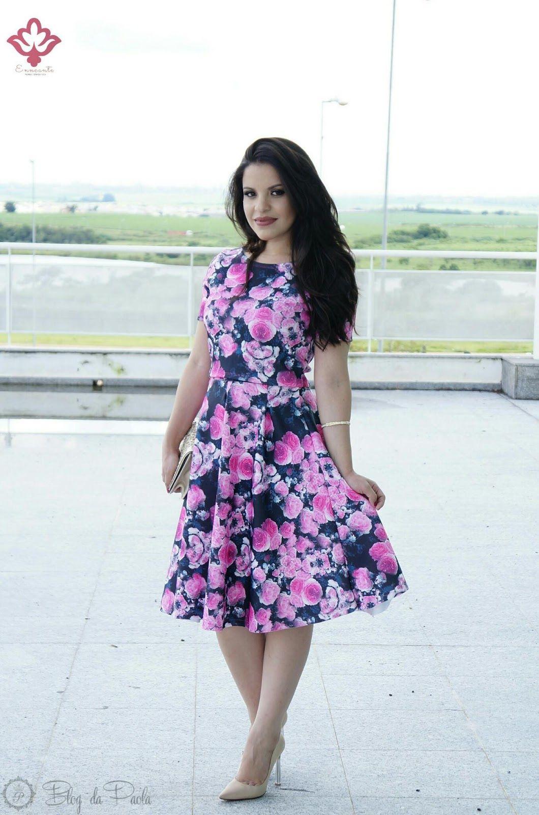 beb02b91a4c Blog da Paola  Look do Dia  Top Cropped e Saia Midi da Moda Enncante ...