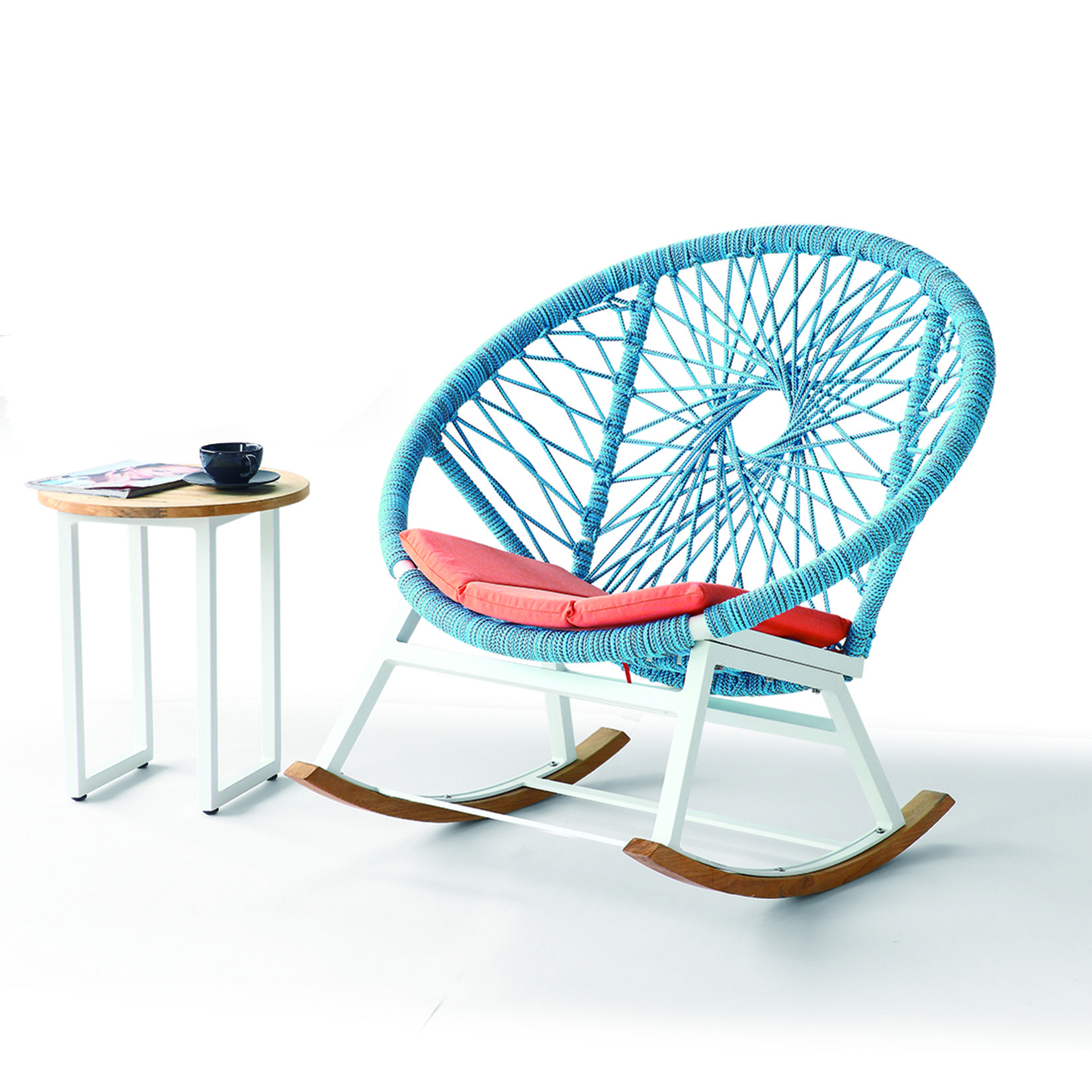 Seattle outdoor rocking chair with allweather cord