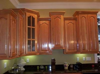 crown molding with staggered cabinets ***butt crown molding into