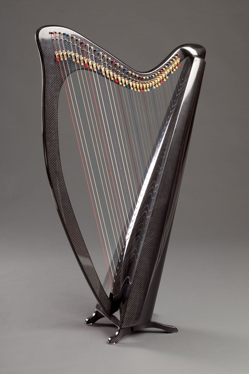 carbon fibre harp by heartland harps