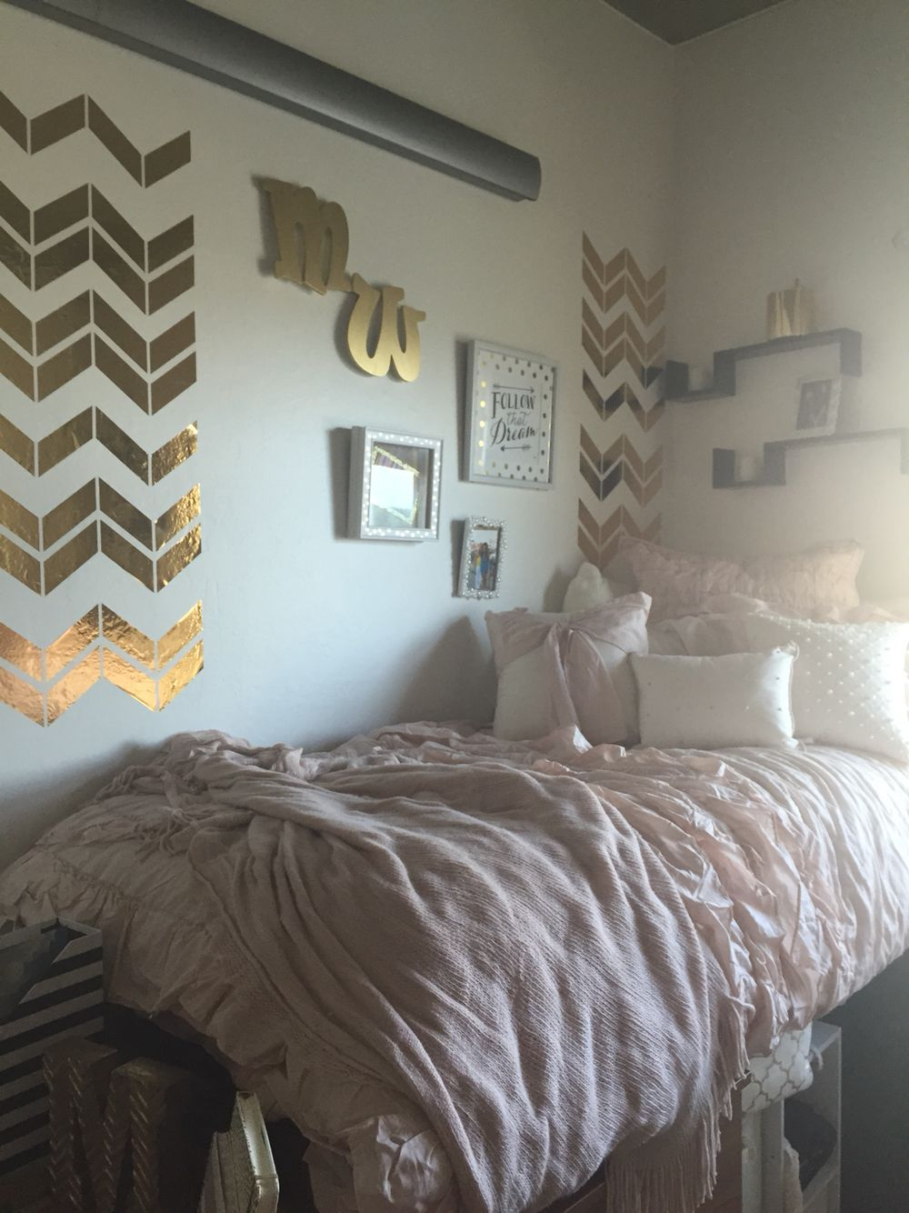 Decorating Ideas > University Of Arizona Likins Dorm  College Craze  ~ 183516_Gold Dorm Room Ideas
