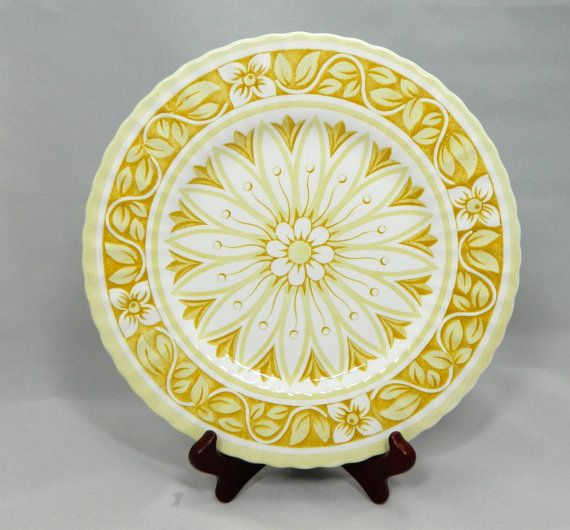 Vintage medici Plate replacement piece  vintage dishes salad or bread plate sunshine yellow