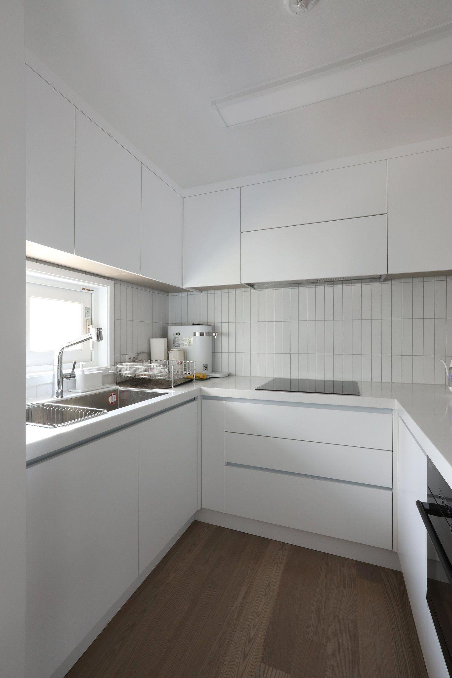 제작가구로 공간과 수납을 동시에 할수있는 아파트인테리어 오늘의집 인테리어 고수들의 집꾸미기 부엌 디자인 인테리어 럭셔리 키친