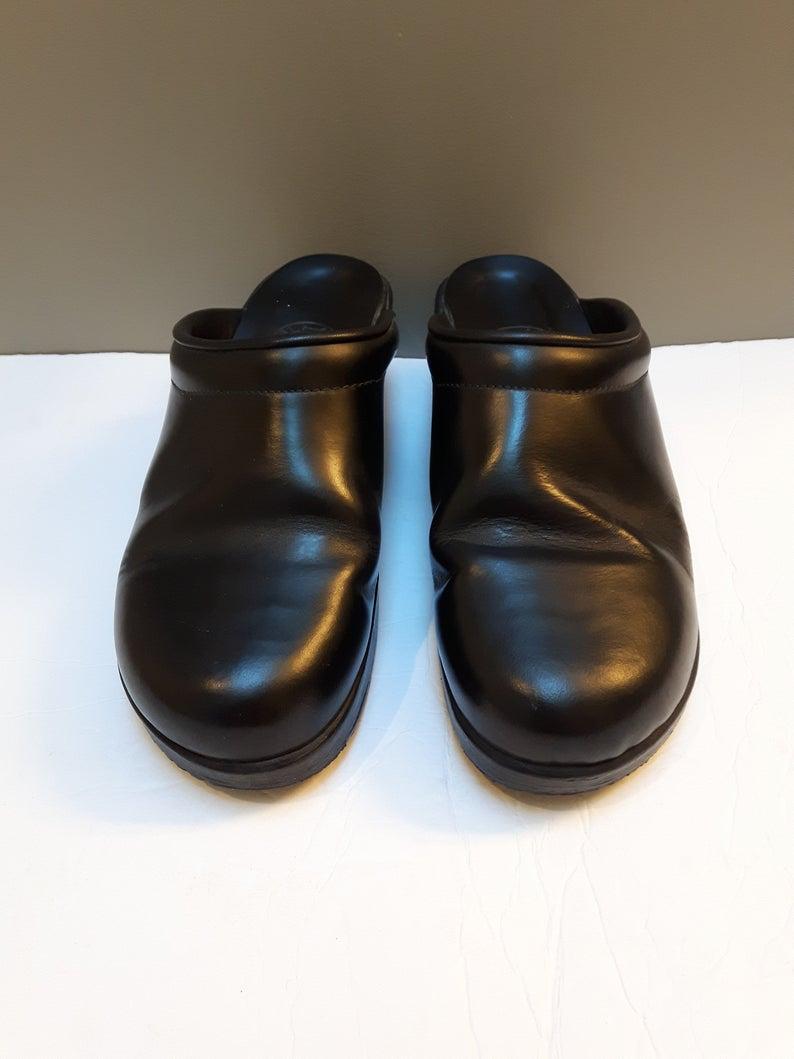 Vintage Clogs Mules Roots Canada Black