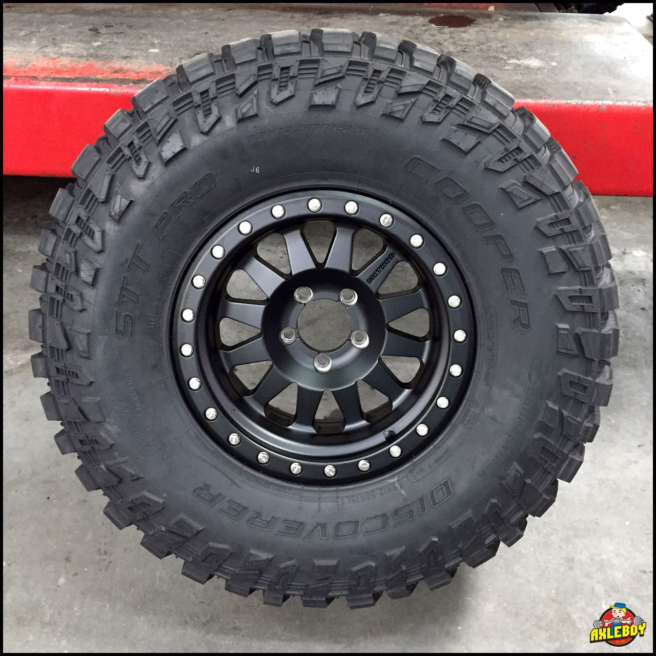 33x12 50r15 Cooper Discoverer Stt Pro Tire Wheels And Tires Jeep Wj Cooper Tires