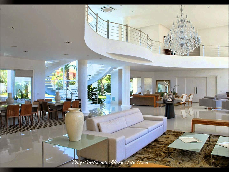 30 Salas De Estar Decoradas Com Escadas Em Curva Maravilhosas  -> Salas De Luxo Decoradas