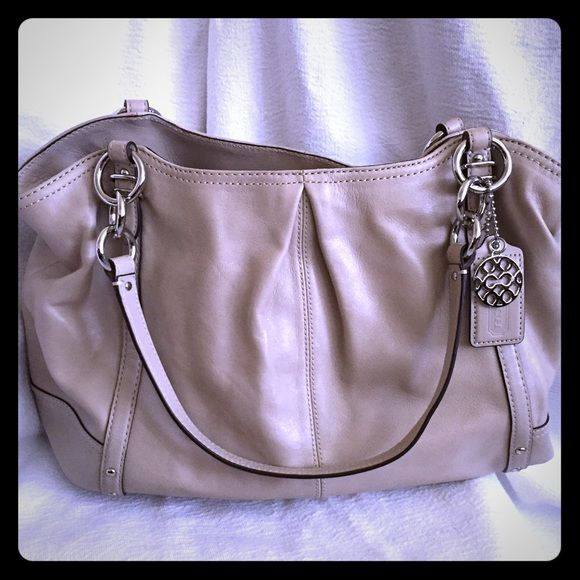 5ec94575a4 COACH - Alexandra Pleated Tote - NWOT New Without Tag - COACH Alexandra  Pleated Leather Tote