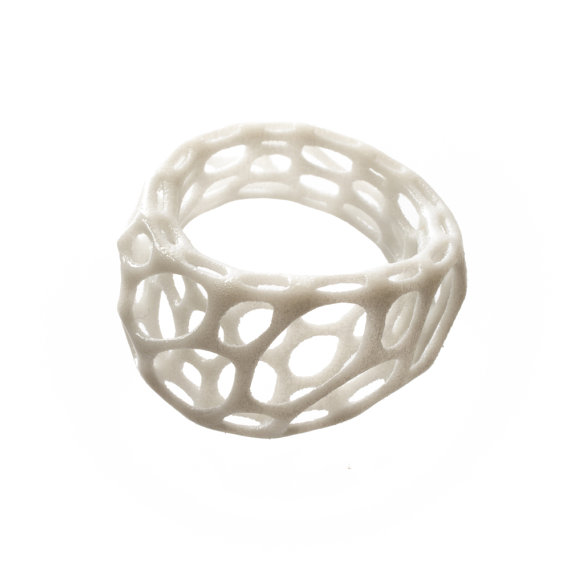 2-layer twist ring (white) 3d-printed nylon plastic