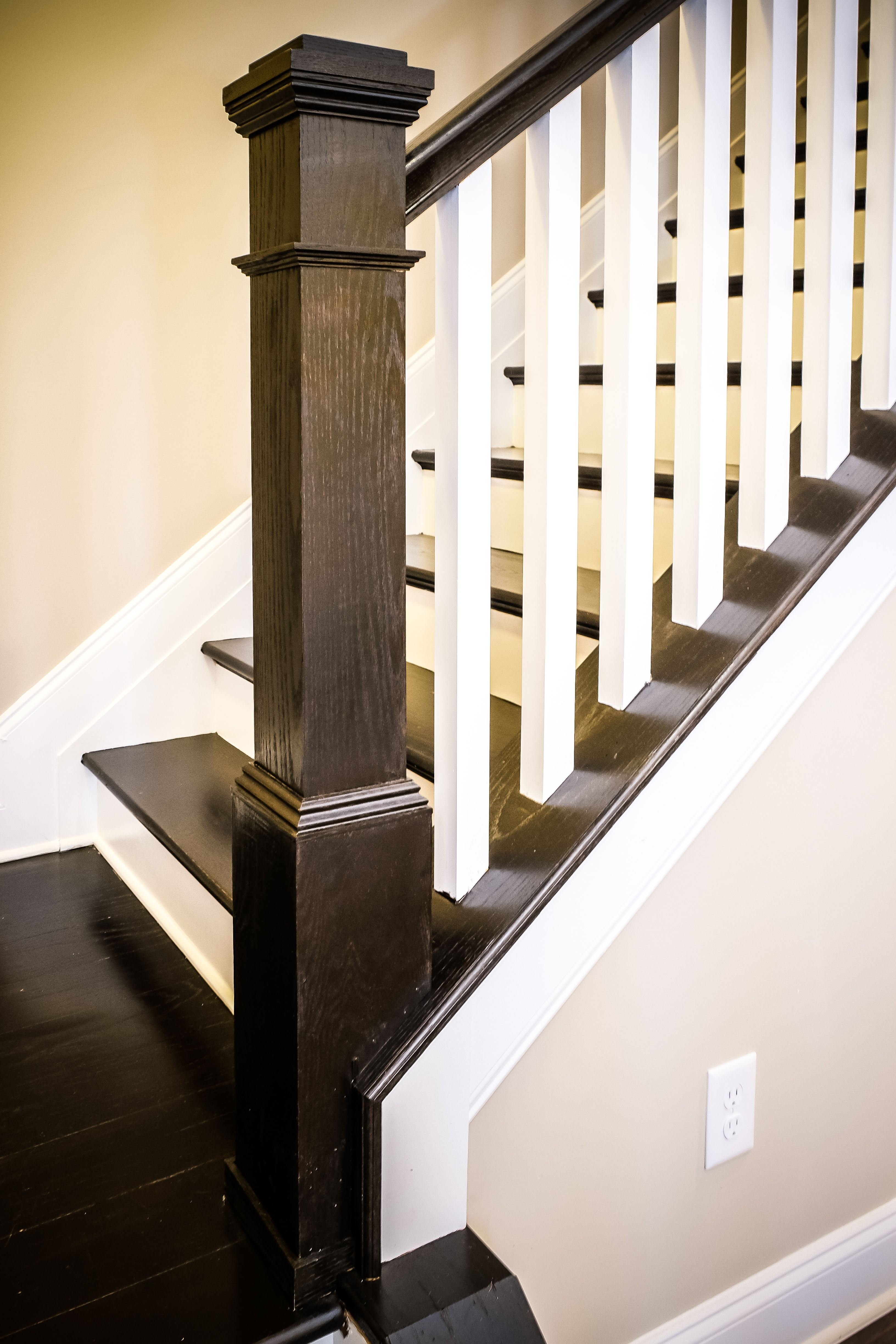Best Box Newels And Square Balusters Clean Lines Staircase 400 x 300