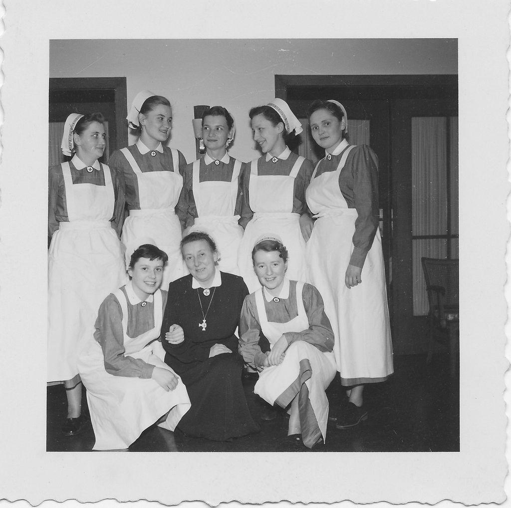 Krankenschwestern-Report - Europeana Collections