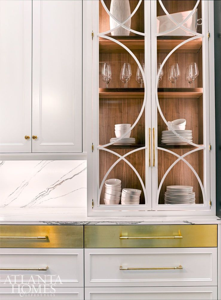 Best Walnut Cabinet Interior With White Painted Exterior Brass 640 x 480