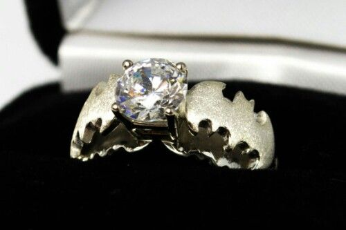 A BatmanThemed Engagement Ring Other Geeky Rings Pic Diamond