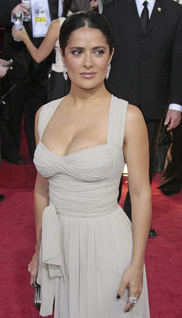 Salma Hayek Photos Photos: Red carpet arrivals for 66th Annual Golden Globe Awards