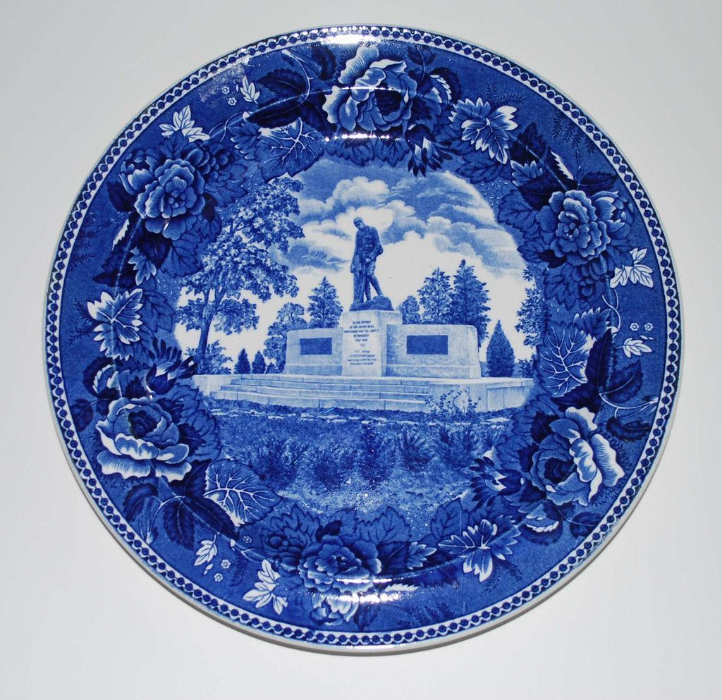 Blue and white pottery - Vintage Wedgewood Blue And White W W Memorial Plate Maine Pottery