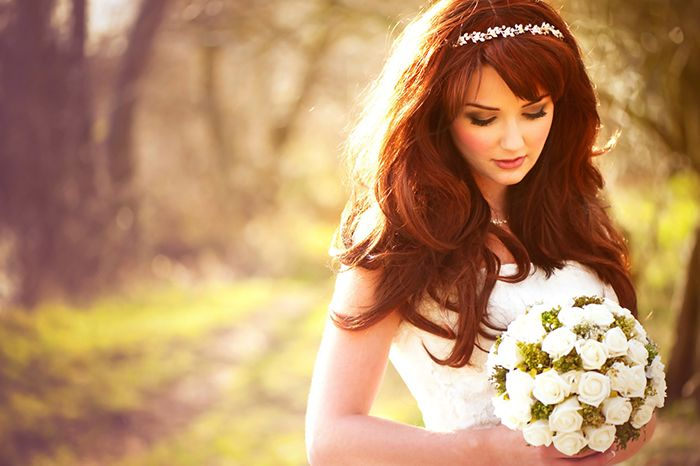 Inspiração de penteado para noivas de cabelos longos | Organizando Meu Casamento. http://bit.ly/noivascabeloslongos  - ruivas