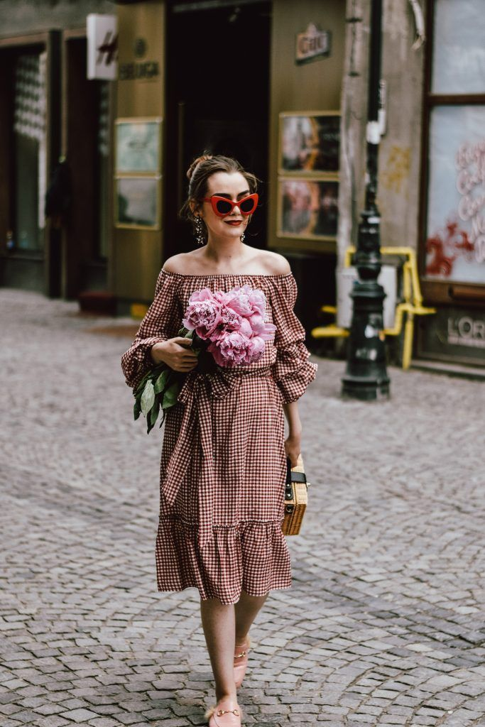 Summer style  How to wear a midi gingham dress with mules d201fac87