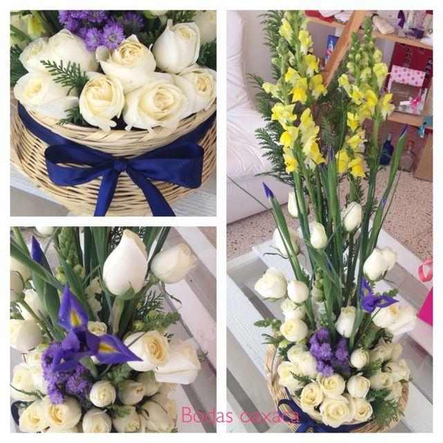Diseño Floral En Canasta Tipica De Querétaro Lirios Y Rosas