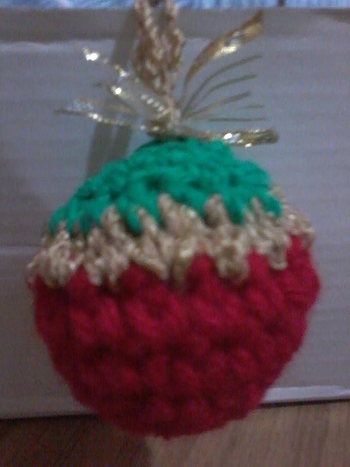 adornos para arbolito de Navidad realizado con la técnica Amigurumi