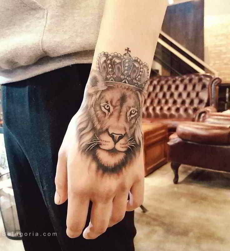Tatuajes En La Mano Leon