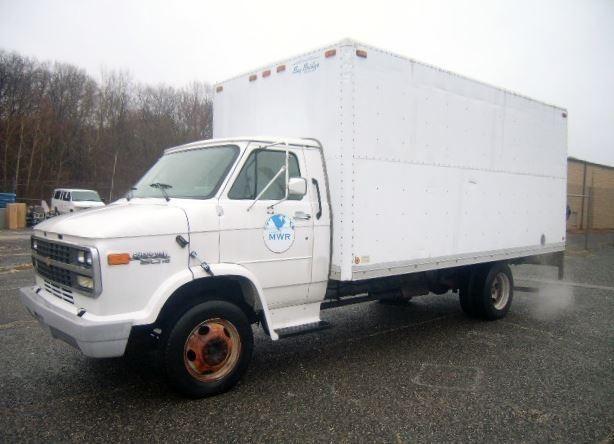 1996 Gm 30hd Chevy Van With A 16 Box Trailer Vin 1gbkh32k353327015 A C Tape Deck Am Fm Radio Manual Windows Loc Chevy Van Surplus Auction Trucks